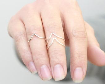 chevron stacking ring. GOLD, SILVER or ROSE gold. above knuckle thin stacking rings. midi ring. gift for her under 25