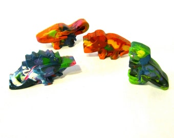 DINOSAUR Crayons - Set of 4 Recycled Rainbow  Dinosaur Crayons for kids - Dinosaur Birthday Party Favor - Kids Crayon Gift-Dino Party Crayon
