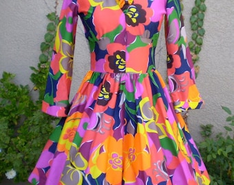 Vintage 1960's 1970's Ruffled Bright Floral Print Party Dress S-XS