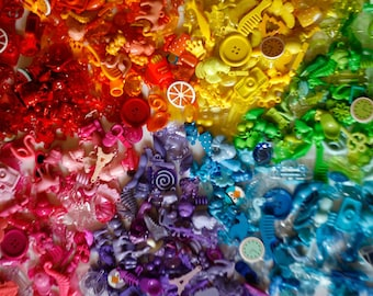 BIG Rainbow I Spy trinkets for Color sorting, Color matching activities with children, 2.5-6cm, Set of 5/10/20 trinkets in every color