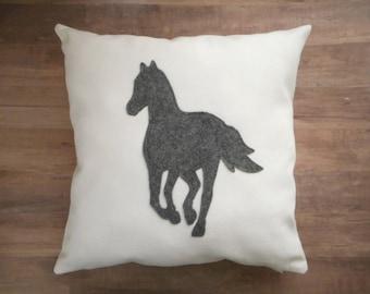 Horse Pillow, Gift for Horse Lovers, Equestrian Farm House Decor, Barn Animal, Horse Applique, Horse Gift for girls