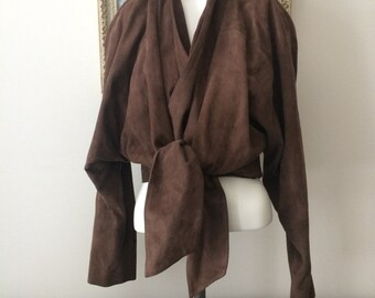 Vintage Gucci Vera Pelle Genuine Leather Ladies blazer/jacket, made in Italy. Vintage condition. European size 42.