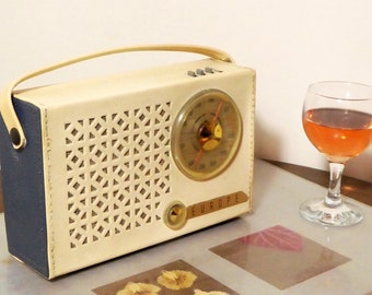 Bluetooth speaker 1962 Radiola model Europe transistor radio.