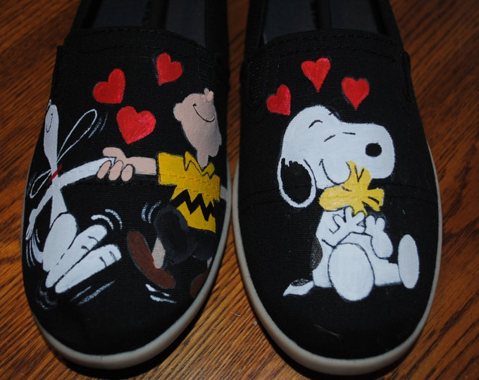 Snoopy Happy Dance with Charlie brown and snoopy w/woodstock size 9 **SOLD**