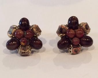Vintage Brown Beads Cluster Clip Earrings, Gold Cup Mountings on Marbled Stone Beads, Clip Earrings, Hong Kong, Coffee Brown, Red Brown