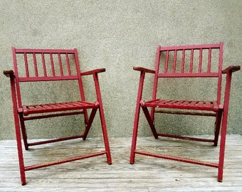 Set of Vintage Wood Folding Maple Deck Chairs in Chippy Red Paint