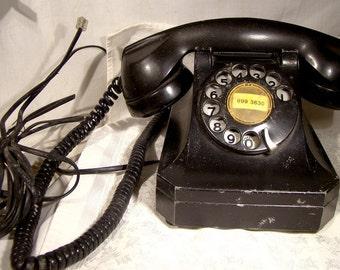 Stromberg Carlson Model 1243 Desk Telephone 1940