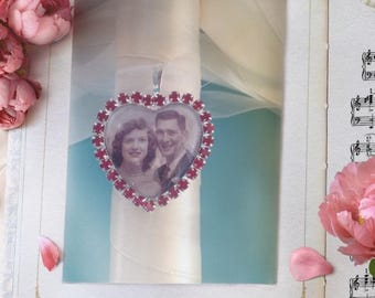 Red bouquet charm , I will do your photo