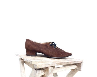 SALE Vintage Flats Size 6 Pointed Toe Flats Low Heel Shoes Brown Suede Shoes Brown Flats Edwardian Style 80s Vintage Shoes Size 6