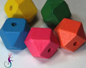 5 polyhedron wooden beads multicolor 20mm