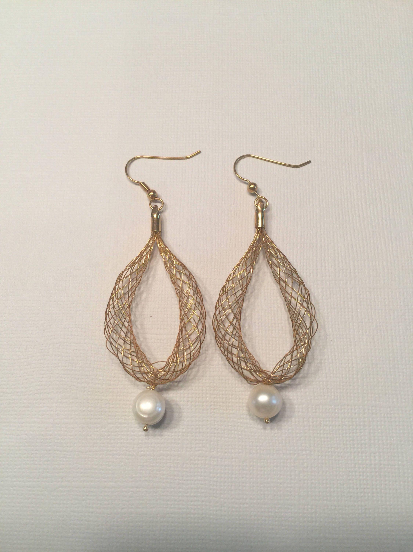 Perle Ohrringe mit Gold Draht baumeln Ohrringe