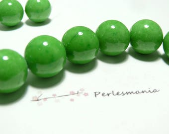 2 14mm Apple green color dyed jade beads