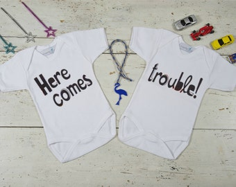 Twin Come Home Outfit, Funny Twin Onesies, Here Comes Trouble Baby, Twin Baby Gift, Twin Baby Shower Gift, Twin Baby Outfits