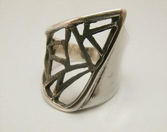 Silver Ring. Glitter ring. Old Silver ring. Silver Draught. Striking ring. Two-tone ring. Ideal ring. Silver Ring.