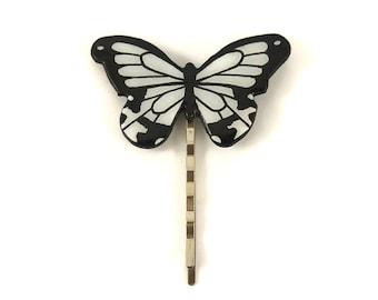 """Epingle à cheveux papillon """"Papilio dardanus"""" noir et blanc, barrette éco-responsable en plastique peint (CD recyclé), coiffure de mariage"""