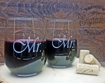 Mr. and Mrs. Stemless Wine Glasses, Personalized Mr and Mrs Stemless Wine Glass, Custom Wedding Gift, Engraved with Date - Set of 2