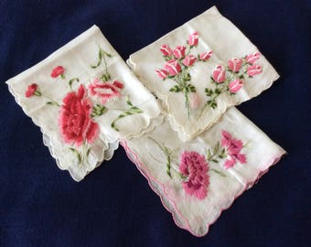 Hankies Three Vintage White With Embroidered Rosebuds/Carnations