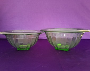 Set of 2 Vaseline Glass Mixing Bowls