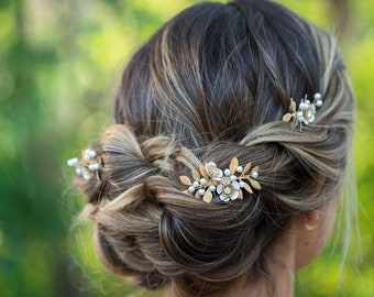 Gold Leaf and Whie Flower Hair Comb, Flower Pearl Bridal Hair Comb, Woodland Wedding Hair Accessory, White Flower Gold Leaf Hair Accessory