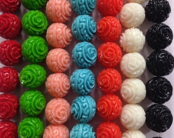 Carved resin beads round, flower, 14mm
