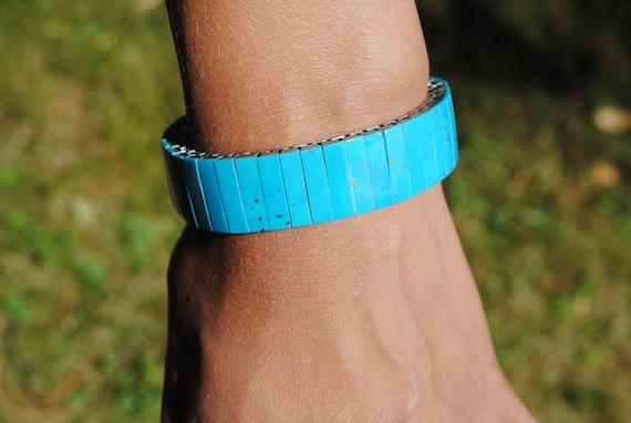 Bracelet extensible en turquoise reconstituée