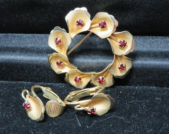 Vintage Brooch and Clasp Earrings Jewelry Set 1950 1960 D C E 14 Karet Gold Fillled