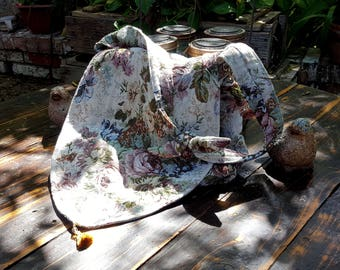 Rose tapestry handbag