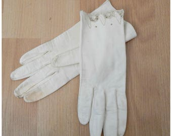 Vintage 1940s White Kid Leather Womens Wrist Gloves XSmall XS