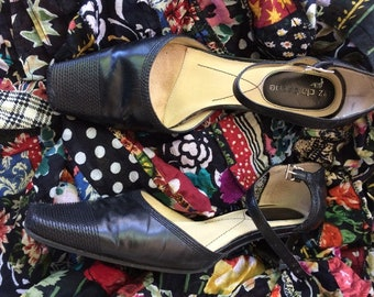 Ladies ankle strap shoes from Liz Claiborne size 6 black leather with 1.5 inch heels