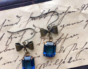 Saphire blue earrings, dangle drop earrings, rhinestone earrings, crystal drops, bow tie earrings, vintage blue earrings, september stone
