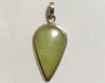 Beautiful sterling and moonstone pendant