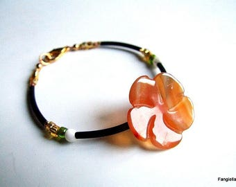 Carnelian gemstone orange, mother of Pearl flower bracelet and gold glass beads