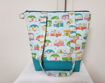 Tote Bag with Campers, Vinyl Bottom, Large Purse with Campers, Retro Camper Tote Bag, Tote with Pockets, Washable, Retro Travel Bag.