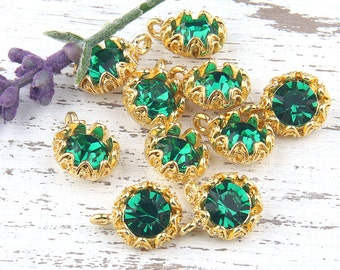 Emerald Green, Crystal Charm Pendant with Floral Backed Bezel Setting, 22k Shiny Gold Plated,1 piece // GP-454