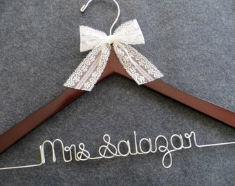 LACE Wedding Hanger, Personalized Hanger, Lace Bow Bridal Hanger, Bridesmaid Gift Idea, Wedding Coat Hanger, Engagement Gift, Shower Gift