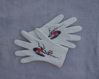 Gloves, white gloves, felted wool gloves, gift for her, fall spring winter accessories, women gloves