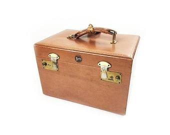 Vintage 1950s mid century genuine Shortrip brown leather train case