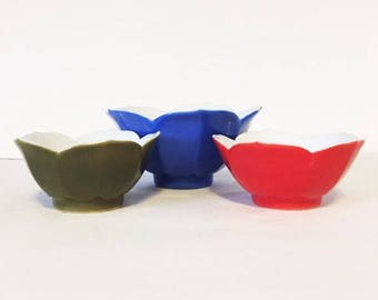 Vintage Lotus Bowls Blue, Red and Green Set of Three Retro Mid Century Style Asian Bowls