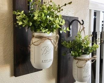 Mason Jar suspendus planteur, décoration d'intérieur, décoration murale, décor rustique, suspendre applique pot Mason, Mason Jar Decor, planteur suspendus avec verdure
