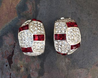 Half hoop rhinestone clip on earrings-red and white-vintage costume jewelry-nonpierced ears-80s jewelry
