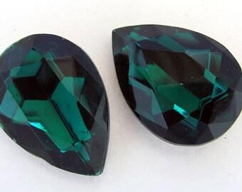 Emerald Pear Machine Cut Faceted Rhinestones 25x18 mm