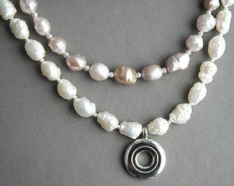Rosebud pearls and open hole