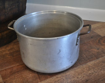 Vintage Wear-Ever 2210 Aluminum Stock Pot Kettle