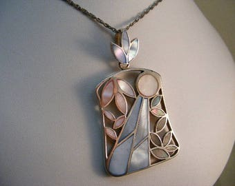 Large Vintage Mother of Pearl Mosaic Inlay Pendant in Sterling Silver ..... Lot 5695