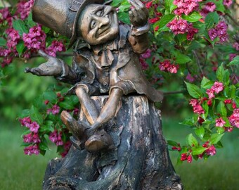 Money-Lender (Fun Pixie Gnome Big sculpture)