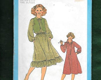 Vintage 70's Simplicity 8703 Country Peasant Dress With An Optional Elastic Waist, And Tiered Ruffle Hem, & Bolero, Size 9/10-11/12, UNCUT