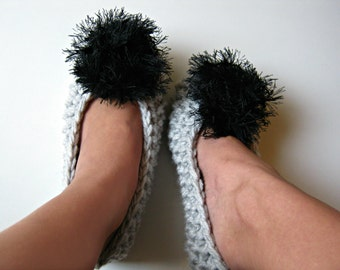 Knitted Womens Slippers with Pompoms, Chunky Knit Slippers, Slipper Socks, Pompom Slippers, Ballet Flats, Girls Slippers, Gift for Women