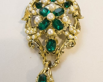 Ladies Jeweled Pin with green accents