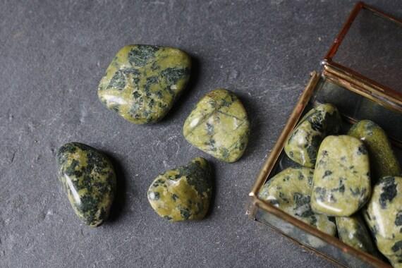 Serpentine Tumbled Stones, Raw Serpentine, Heart Chakra Crystal, Polished Serpentine, Crystal Healing, Crystal Grid, Green Chakra Stone