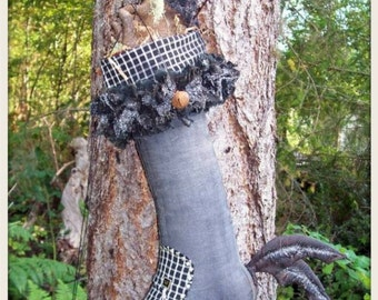 MOUSE, A Primitive, Folk Art, Witch, Shoe, Who Needs a broom, Pattern By Pea Picker's Primitives